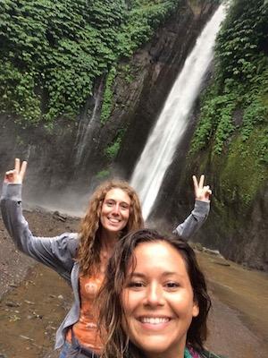 noi alle cascate di Munduk