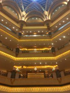 oro e cristalli nell'Emirates Palace di Abu Dhabi
