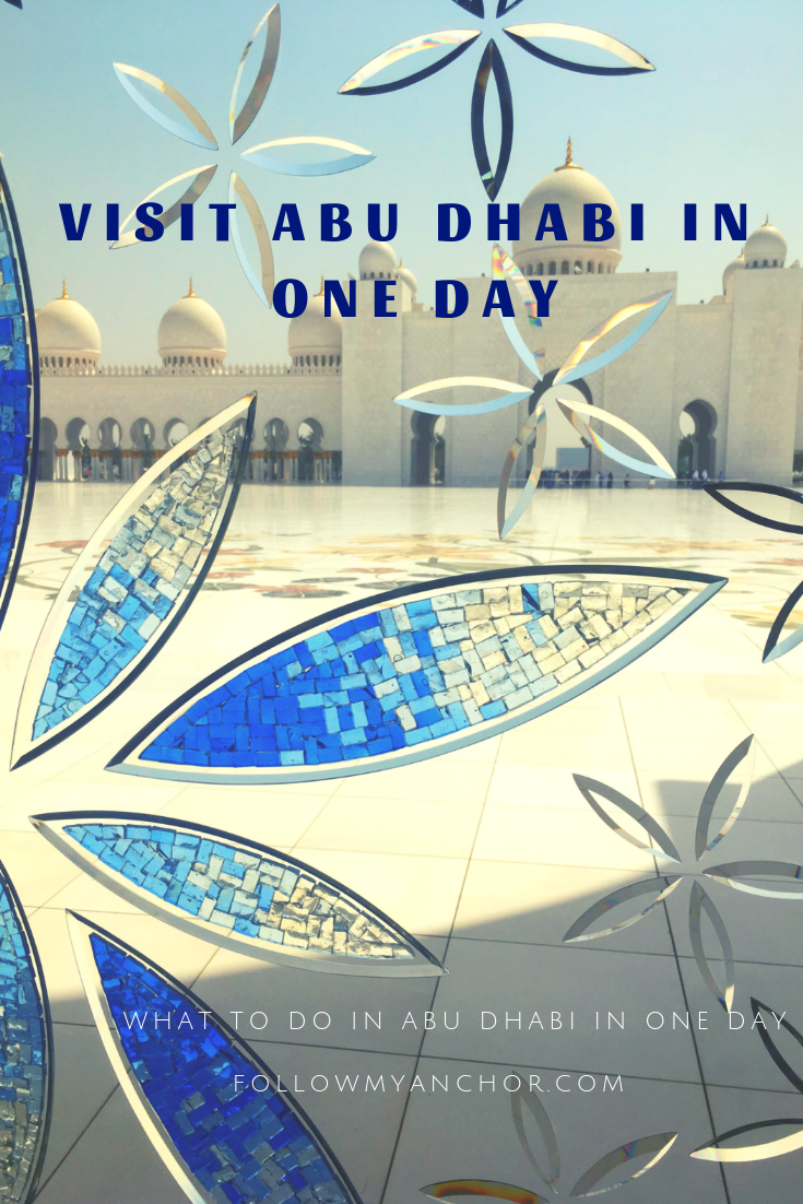 Things to do in Abu Dhabi in One Day | The stunning white mosque of Abu Dhabi, great architecture and a long promenade along the beach. If you are about to travel to Abu Dhabi, take a look at my article to find out what to do in Abu Dhabi in One Day. #ThingsToDoInAbuDhabi #TravelToAbuDhabi #AbuDhabi #TravelBlog