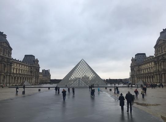 Piramide di Vetro del Louvre