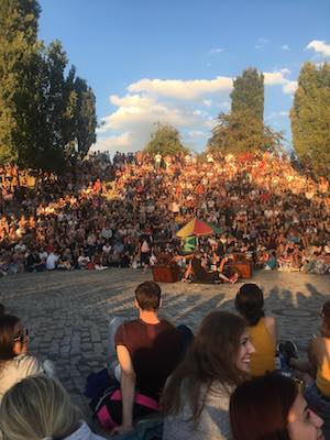 Il Karaoke della Domenica di Mauerpark a Berlino