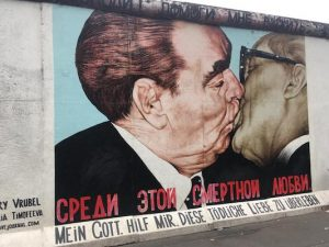 Bacio Mortale all'East Side Gallery