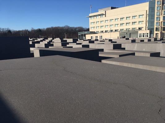 Blocchi di cemento del Memoriale alle Vittime dell'Olocausto di Berlino