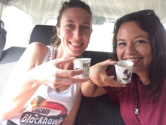 Bevendo Chai Tè a Delhi
