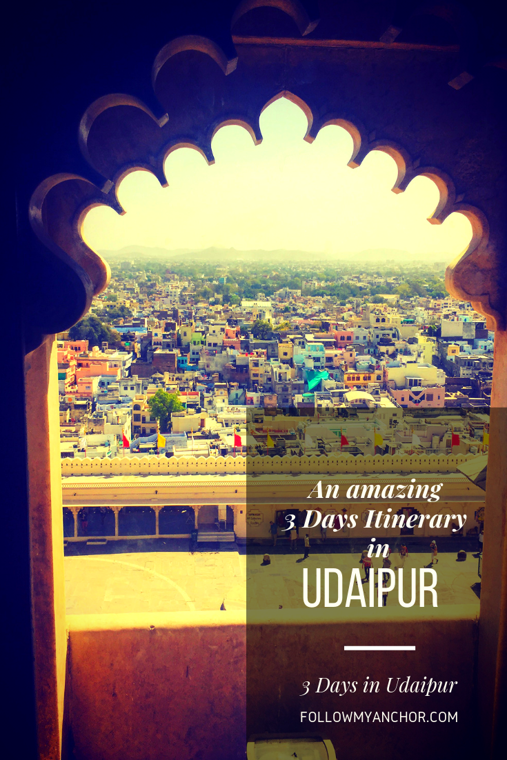 Itinerary for 3 Days in Udaipur | An amazing itinerary to discover Udaipur, a little village on the shores of Lake Pichola, in the heart of Rajasthan. Udaipir is a little oasis far from the hustle and bustle of India where you can focus on your physical health and mental well-being. Check this article if you want to know the best things to do in Udaipur, including the stunning City Palace and many other beautiful places. #Udaipur #Udaipur3Days #UdaipurItinerary