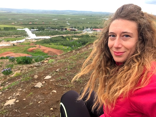 Selfie alla valle del Geysir lungo il Circolo d'Oro in Islanda