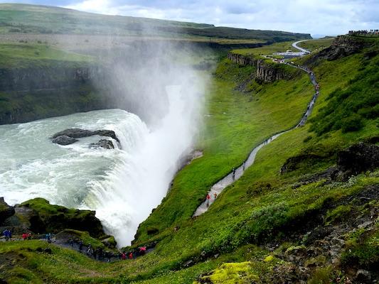 Canyon delle Cascate Gullfoss lungo il Circolo d'Oro in Islanda