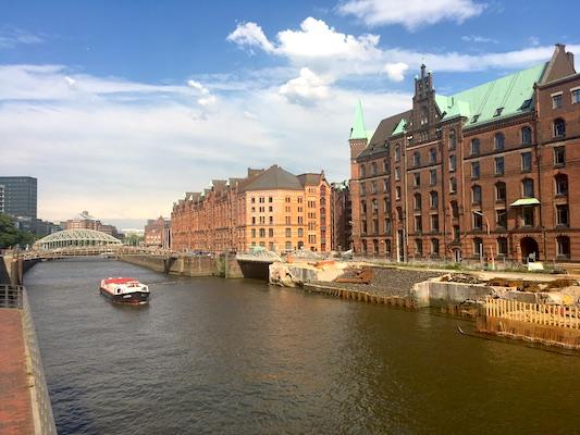 Magazzini che si affacciano sui canali dell'Elba ad Amburgo