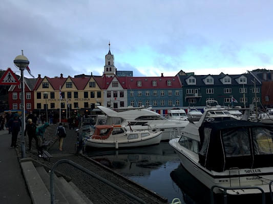 Porto di Torshavn nelle Isole Faroe