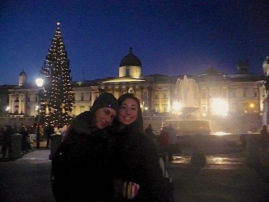 Con mia sorella a Trafalgar Square