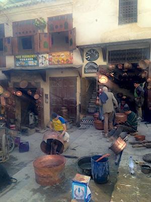 Piazza Seffarine nella Medina di Fes