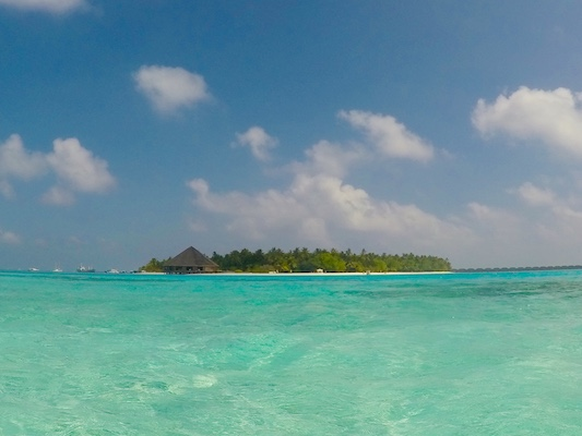 Meeru Resort Island in front of Dhiffushi