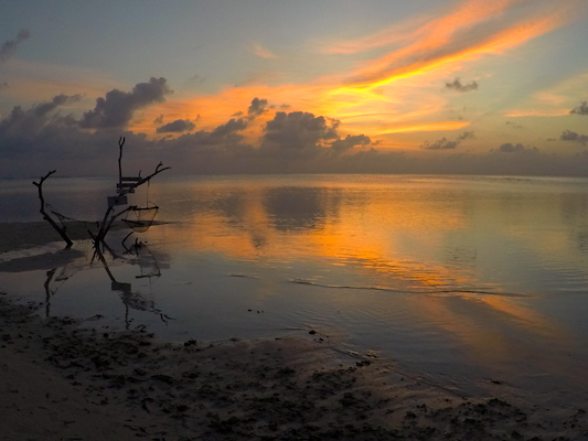 Sunset on Dhiffushi Island