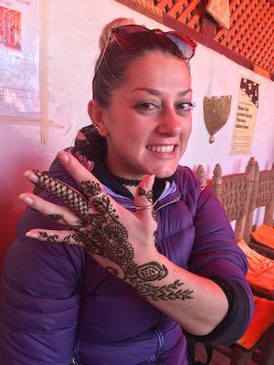 Tatuaggio all'henné a Henna Café