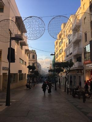Paseo del Revellin, la strada principale dello shopping di Ceuta