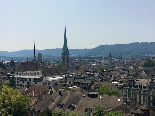 Panorama di Zurigo dalla terrazza Polybahn
