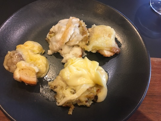 Small portions of raclette