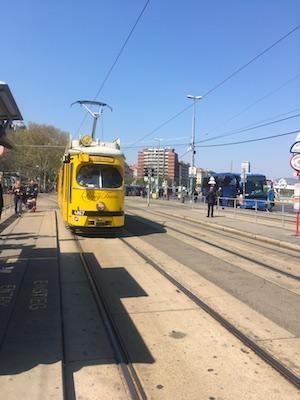 Il Vienna Ring Tram a Schwedenplatz