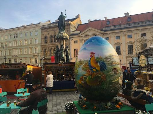 L'uovo gigante del mercato di Freyung