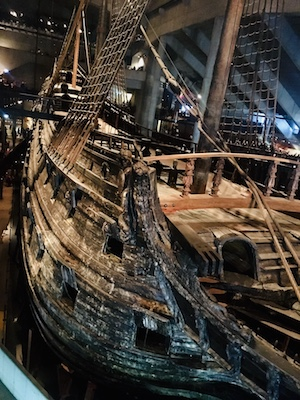 L'enorme relitto del Vasa custodito nel Museo Vasa