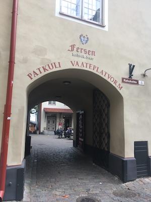 Arco che porta a Patkuli, la terrazza panoramica di Tallinn