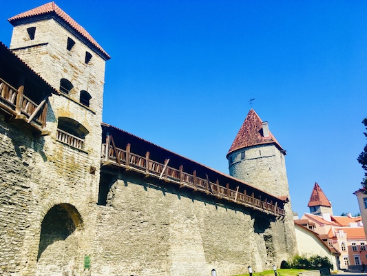 Le torri Kuldjala, Sauna e Nunna delle mura medievali di Tallinn