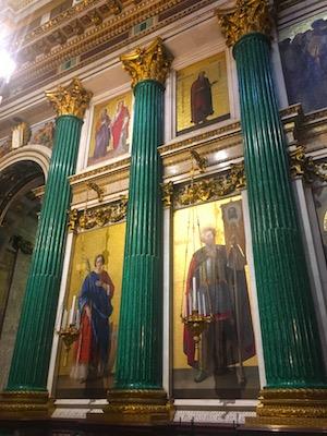 Colonne di Malachite all'interno della Cattedrale di Sant'Isacco