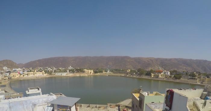 Panorama sui Ghat di Pushkar