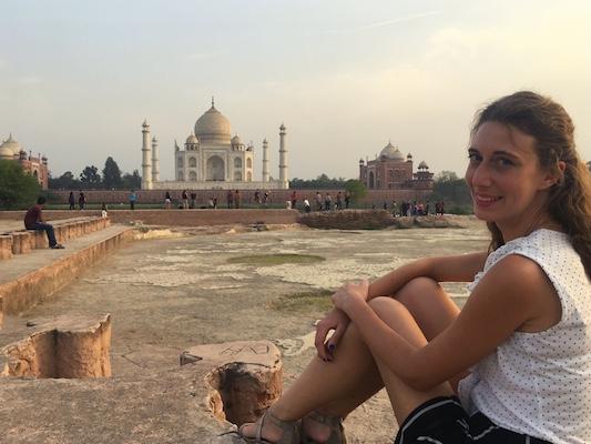 Vista del Taj Mahal dal Giardino della Luna, una delle cose da vedere ad Agra oltre il Taj Mahal