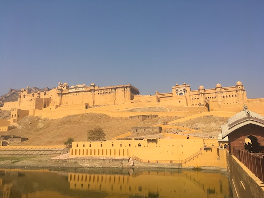 Zig zag street to get to Amber Fort