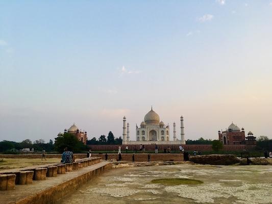 Tramonto sul Taj Mahal dal Mehtab Bagh, il Giardino della Luna