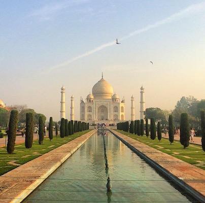 Taj Mahal con le luci dell'alba: il simbolo dell'India