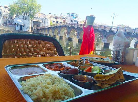 Tipico platter indiano a Udaipur