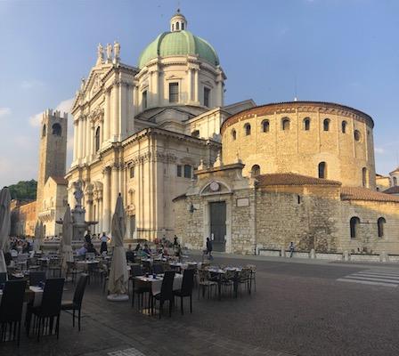 Facciate dei Due Duomi di Brescia a Piazza Paolo V