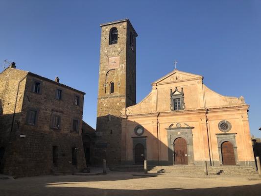 Facciata del Duomo a Piazza San Donato di Civita di Bagnoregio
