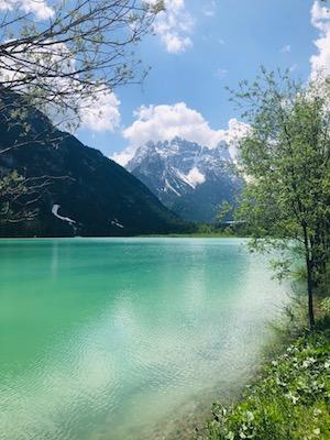 Acque verde turchesi del Lago di Landro