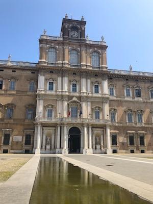 Facciata del Palazzo Ducale di Modena