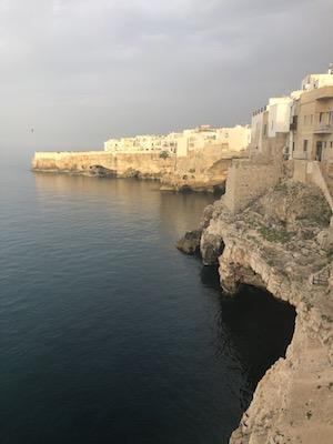 Scorcio panoramico sull'Adriatico a Polignano a Mare