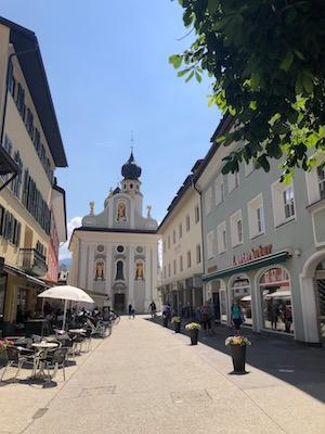 Strada che va verso Piazza San Michele a San Candido