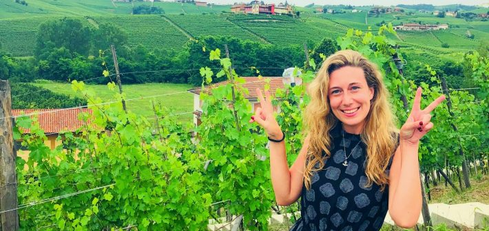 Between the vineyard of Langhe in Barolo, one stop of our food and wine tour of Italy