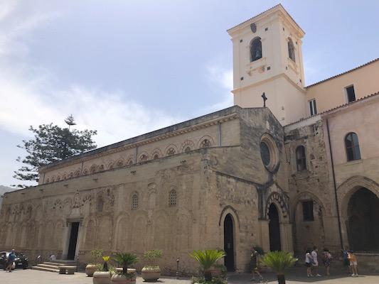 Esterno della Cattedrale di Maria Santissima di Romania, o Cattedrale Normanna, a Tropea