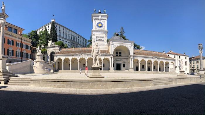 Piazza Libertà a Udine vista dalla Loggia del Lionello